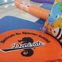 Çocuklara Yüzme Dersi